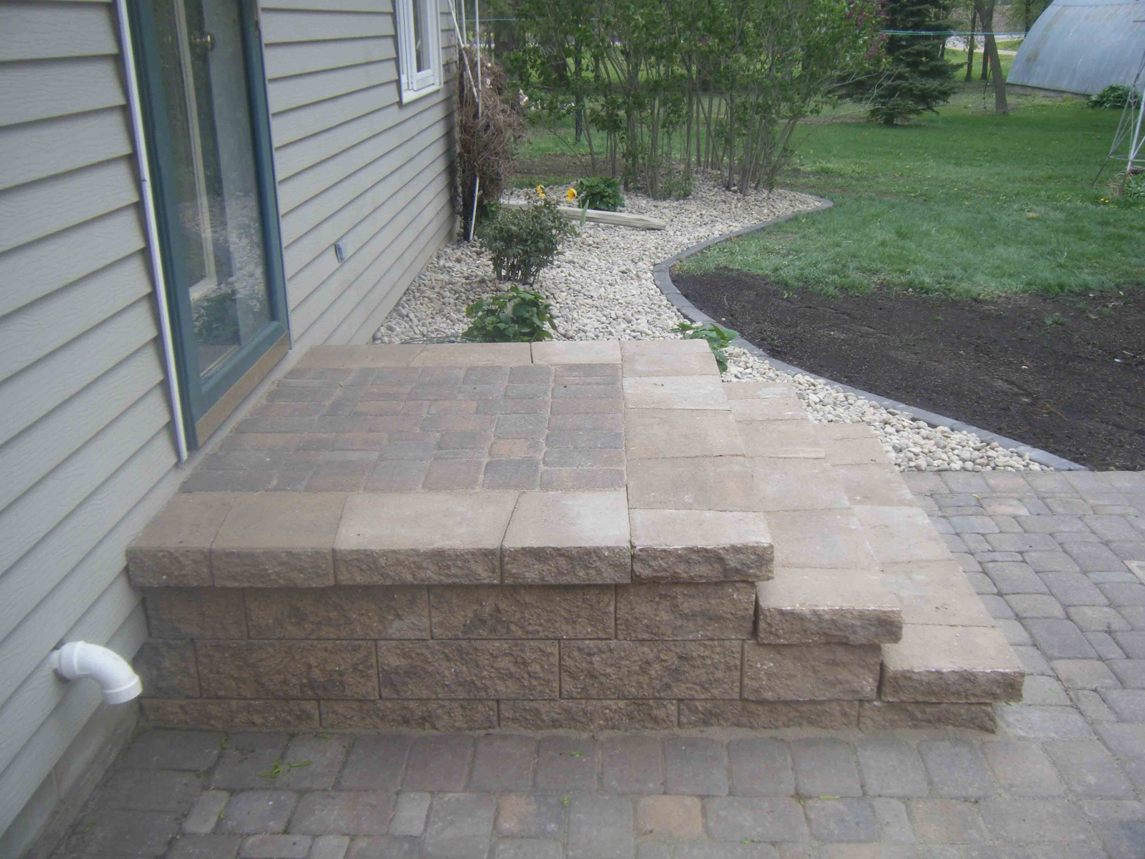 Our Work Leading Edge Landscapes - Paver patio steps